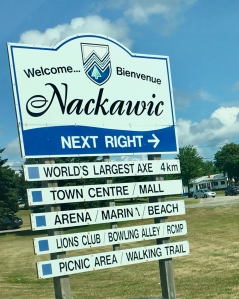 welcome to nackawic sign