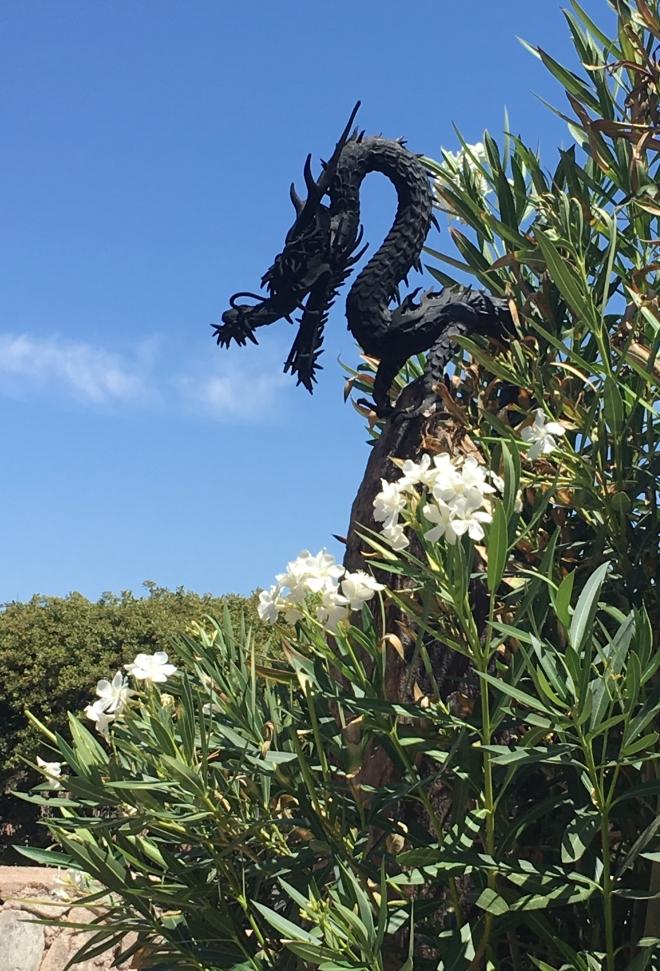 Dragon Sculpture that breathes fire