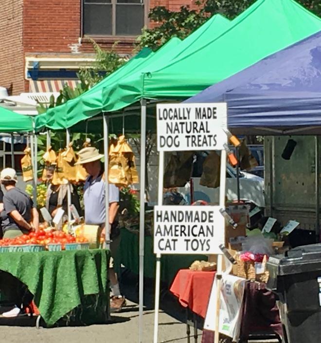 farmers' market pet vendor